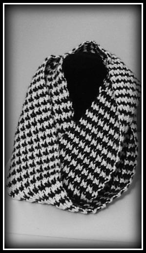Free Crochet Houndstooth Scarf Pattern by ELK Studio