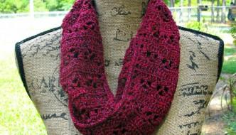 Just to be Cute Free Crochet Scarf by ELK Studio