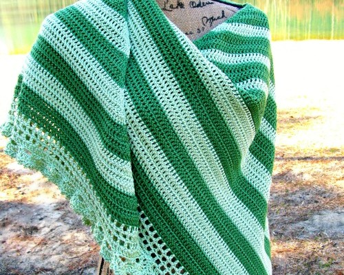 Perfectly Simple Elegance Shawl by ELK Studio #pattern #freepattern  #crochet